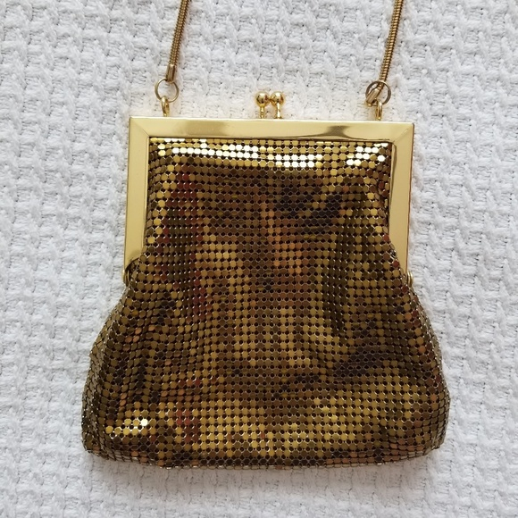 758a1ee53c04 Vintage Bags   Gold Clasp Purse   Poshmark